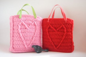 cable-heart-gift-bags