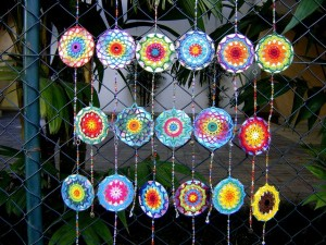 crochet-cd-mandalas-600x450